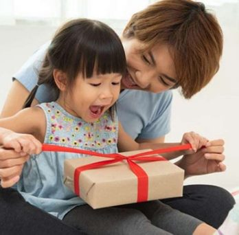 A New Study Suggests That Material Gifts May Be Best for Young Kids