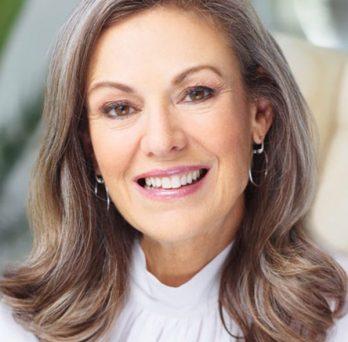 UIC Business alumna Mary Dillon